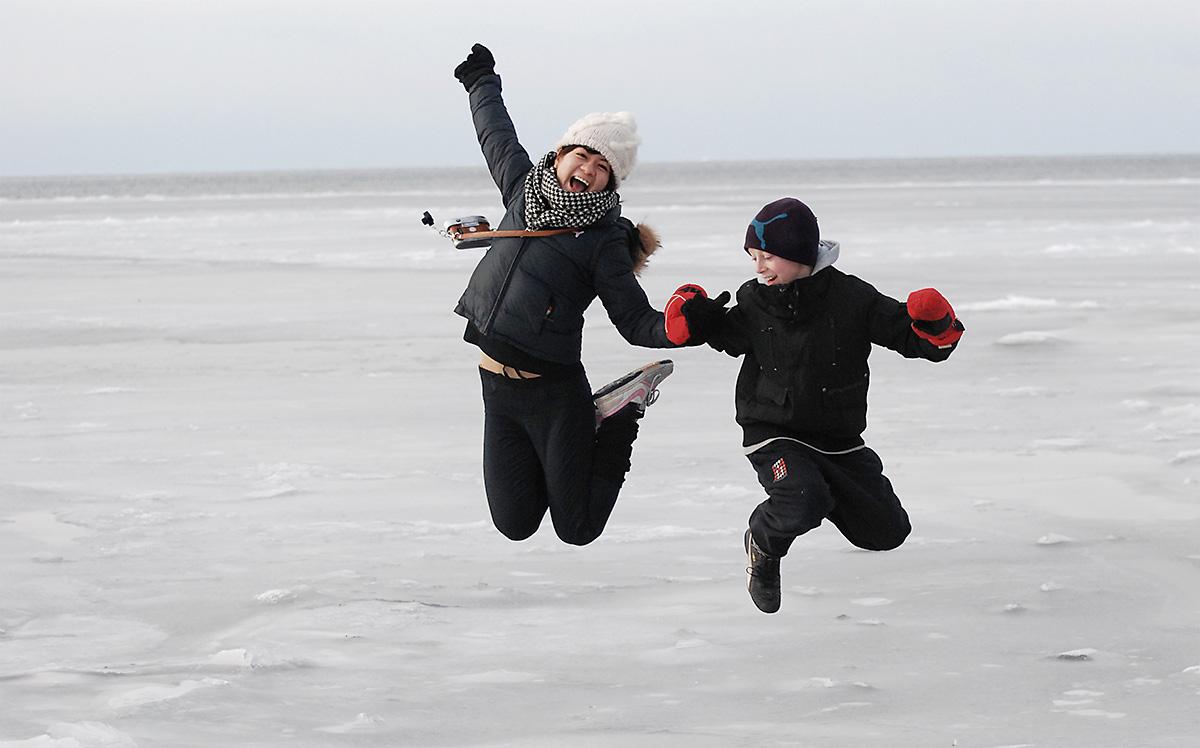 Hopp på is, foto: Fredrik Strandberg